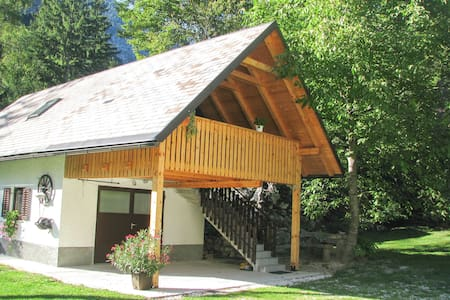Little house Bor with terrace and Triglav views - Trenta - Wohnung