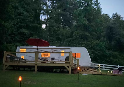 Glamping Escape! Creekside North GA. Mountains