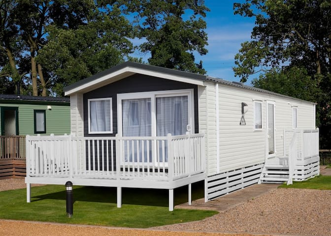 Combe Haven, New 2020 3 bedroom Caravan