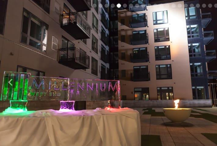 Millennium- 2 Bedroom 2 Bath- Better than a hotel! - Minneapolis - Huoneisto