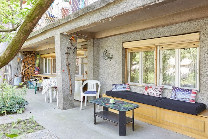 Home with Garden - Perfect for social distancing
