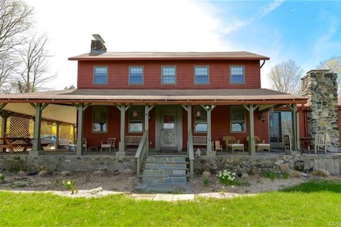 The Red Farmhouse -  Newly Renovated  on 4 acres
