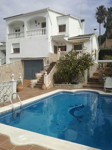 Villa 6 chambres avec piscine - La Pobla de Montornès