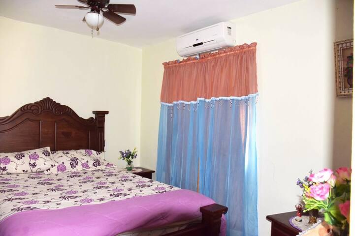 Habitación Privada, Baño y cocina