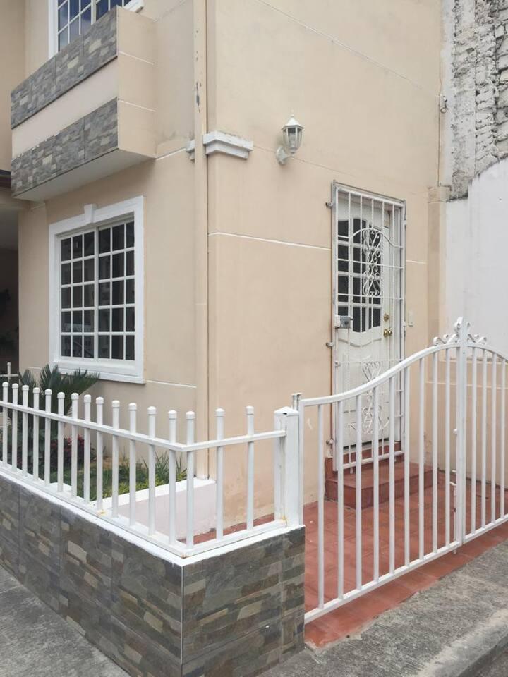 HOUSE / SUITE / DEPARTMENT/CASA/SUITE/DEPARTAMENTO
