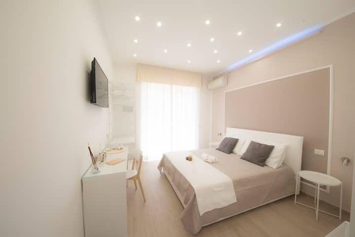 B&B Chérie - Centro di Salerno - Room n. 1