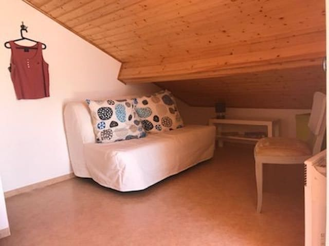 Chambre étage Lit 3, canapé convertible
