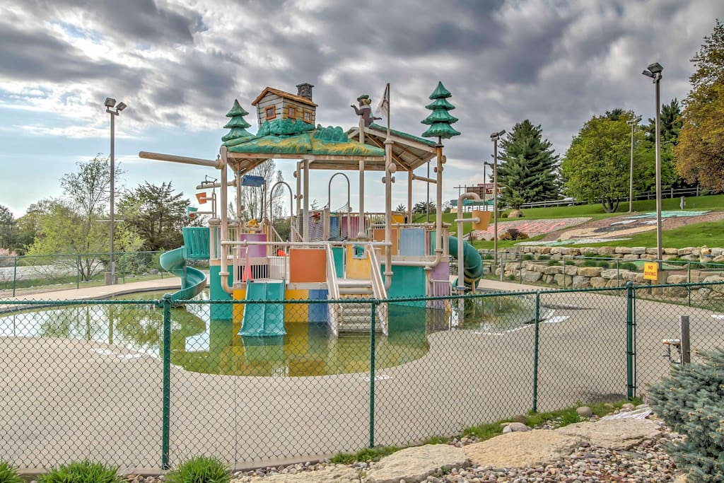 Located on the grounds of Jellystone Park, the property is within walking distance from various fun-filled activities.