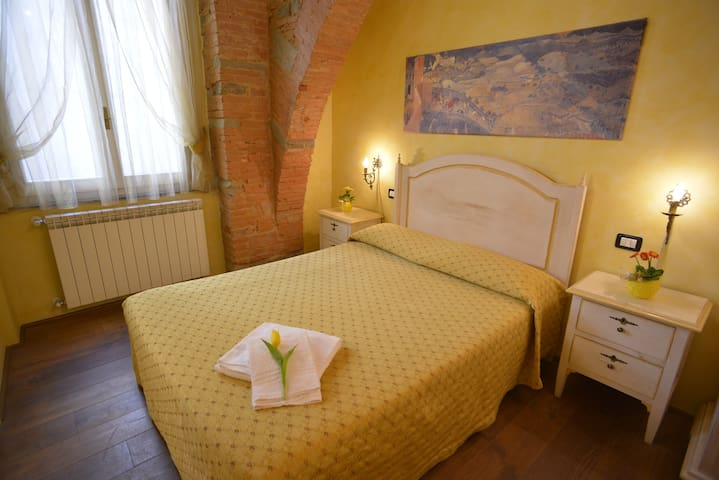 B&B Casa Tintori - Yellow Room