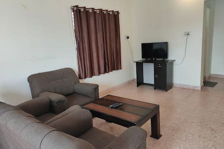 Two bedroom extremely clean furnished flat -EN2067