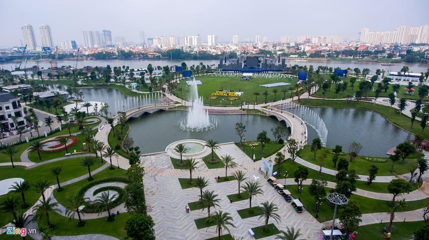 5-star luxury 2BR apartment in Saigon (Vinhome)