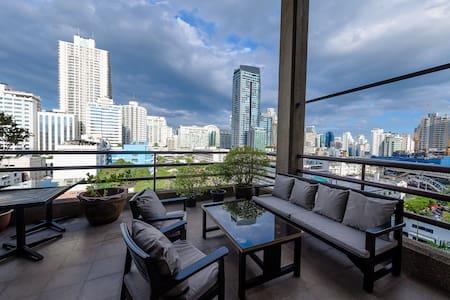 3 BR Duplex Penthouse Sukhumvit 7 Next to Nana BTS - Bangkok - Wohnung
