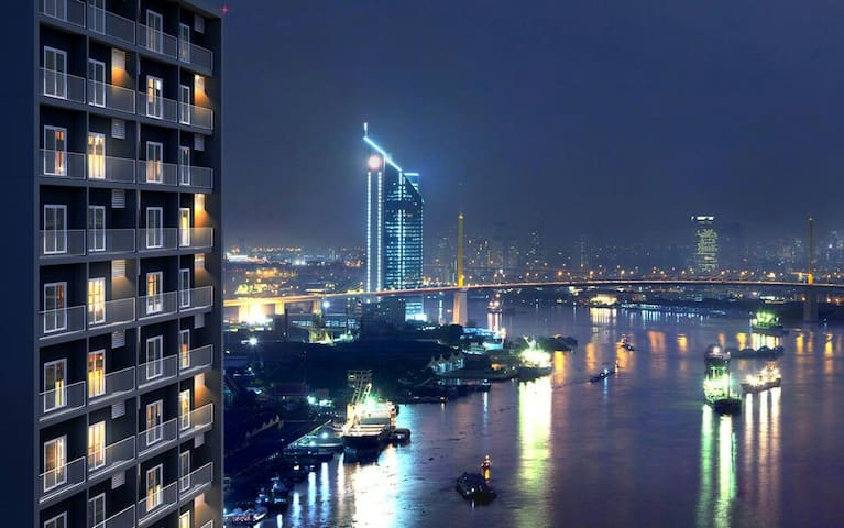 2 bedrooms Panoramic Chao Phraya River View.