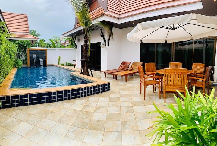 Pool Villa 3 bedrooms just 350 m to beach