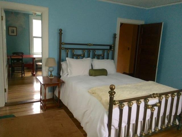 Sparkling clean Deering Oaks Suite