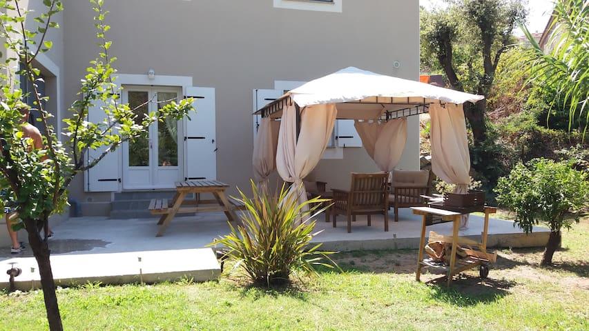 Rez de villa T2 à Propriano
