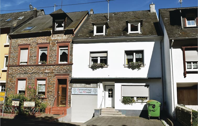 Holiday cottage with 8 bedrooms on 220 m² in Kövenig