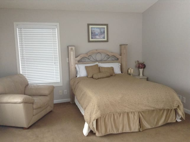 Bedroom 1: Queen/Master with fireplace and private bath w/jet tub,