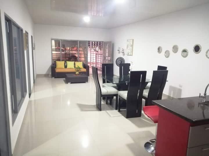 Casa Amplia con ambiente Familiar