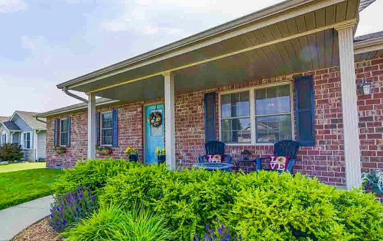 Gorgeous home close to Springfield IL attractions