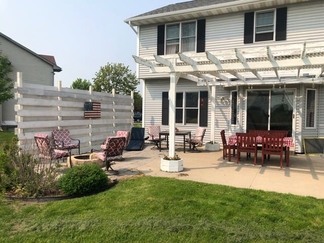 Backyard Patio & Firepit