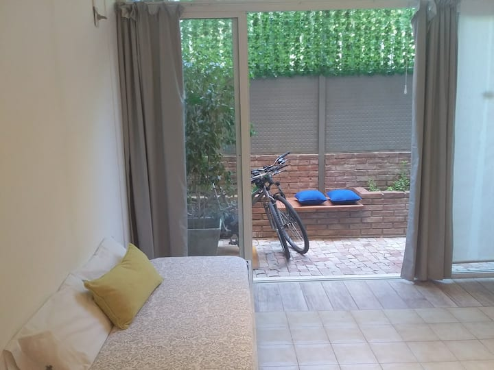 Loft & Bikes - Great location 250 m from Aristides