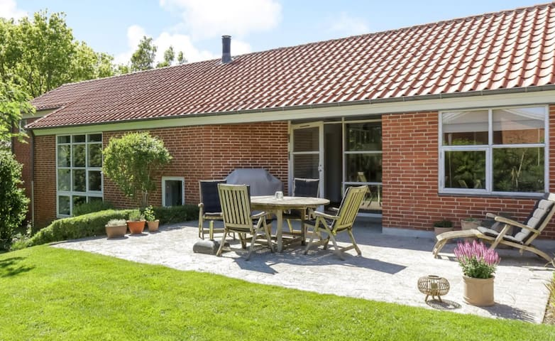Large villa in Viborg with room for 8 people