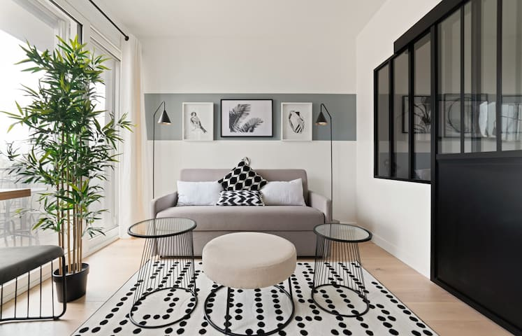 Stunning apartment near the Champs-Elysées