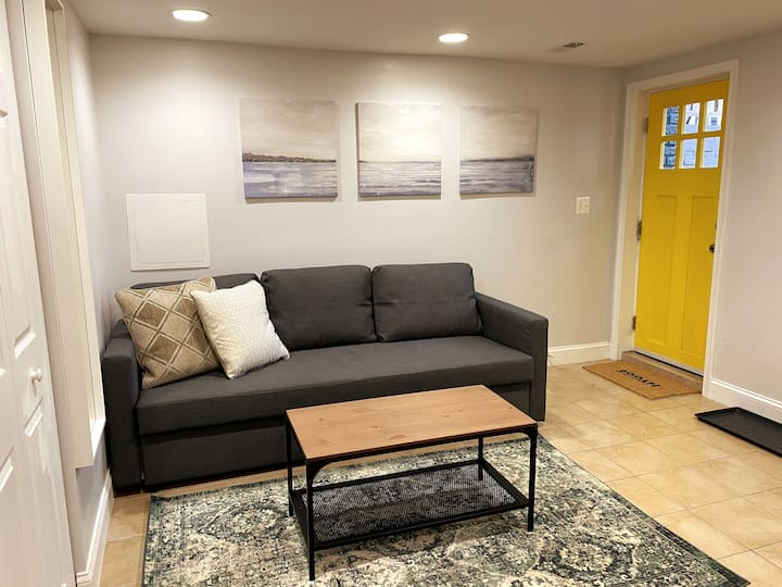 Perfect, Private DC Apartment: Quiet and Close