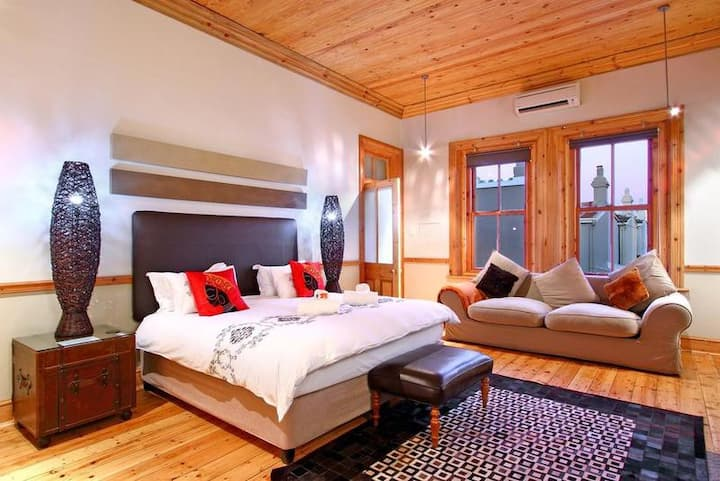 Wilton Manor -Luxury King Double Room