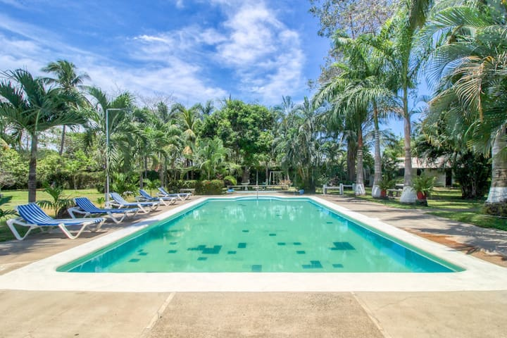 Gulf-front villa w/ a shared pool in a great location w/ access to the beach!