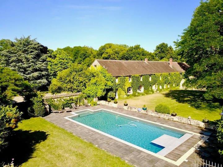 Maison de famille, 11 chambres, piscine, ferme bio