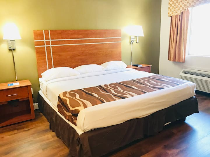 Budget hotel, one bedroom  King bed OR Double bed