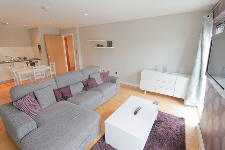 1 Month Discounts Available! City Centre 1 Bed Apt