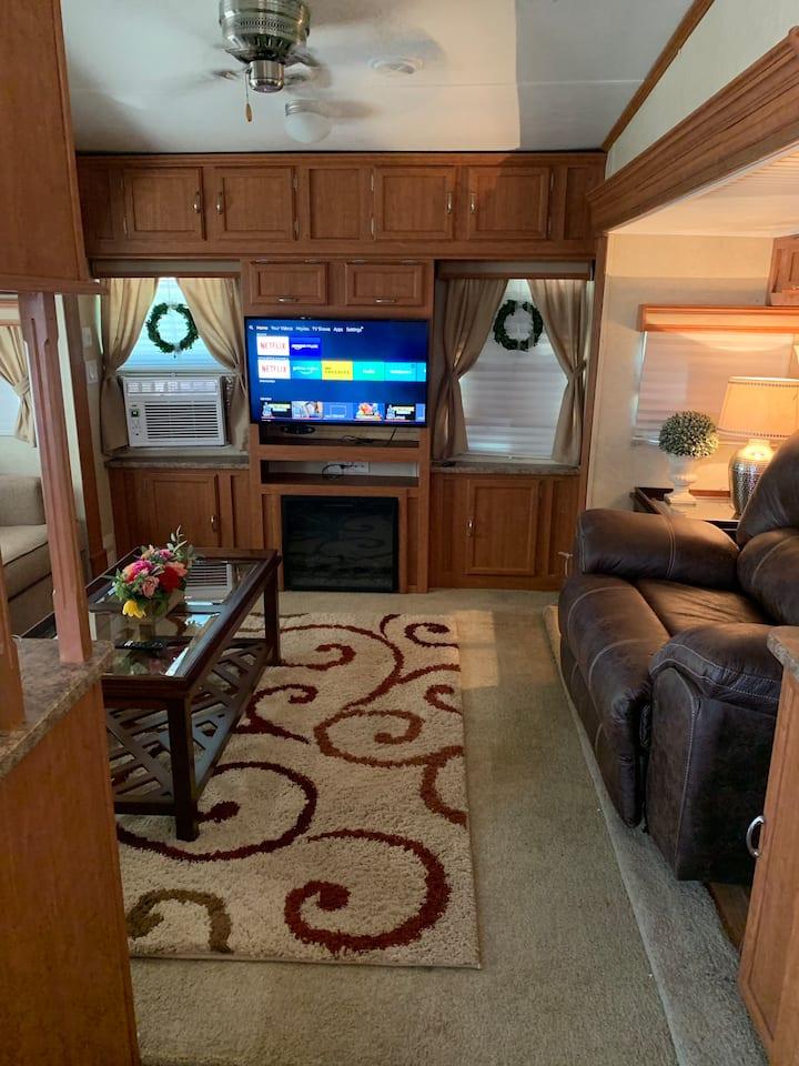 Monahans, TX:  Monte Carlo RV: CLEAN & SPACIOUS