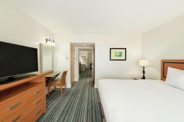 Spacious Suite Partial Ocean View Double Bed At Dorado Del Mar