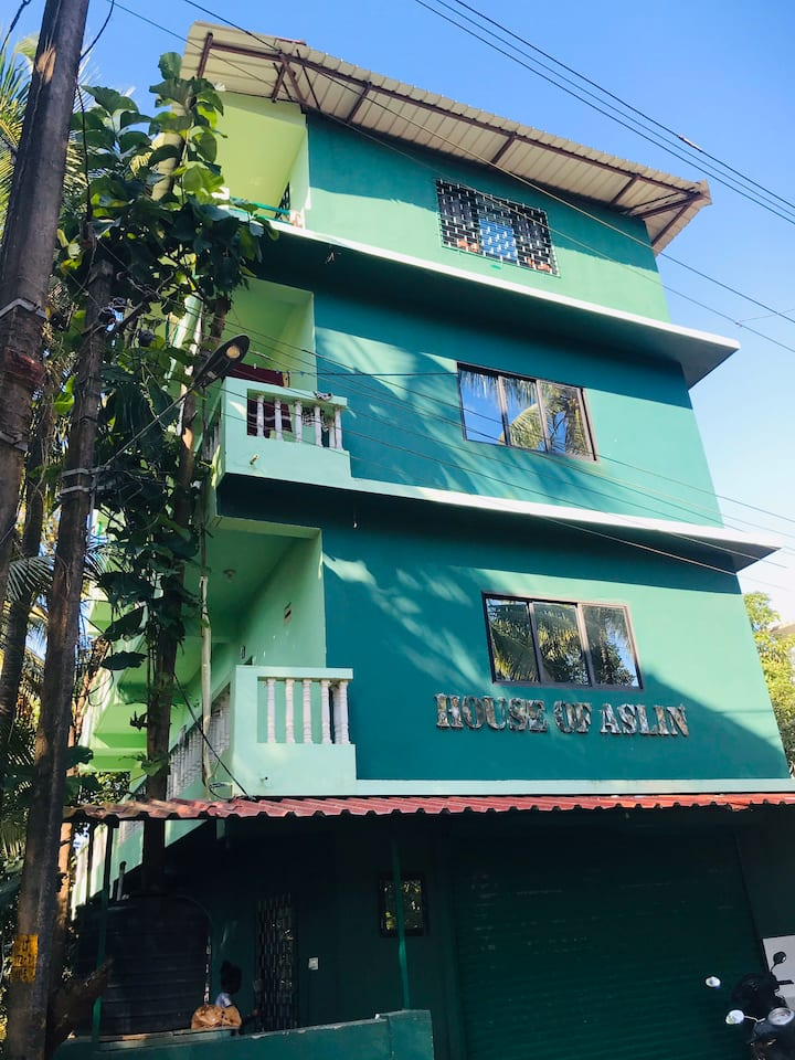 Apartment for 2 guests on 3rd floor at ashve beach