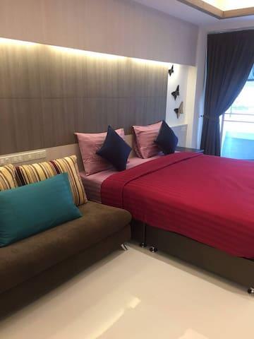 Family Room Condo 1 Shopping@Platinum + FreeWifi