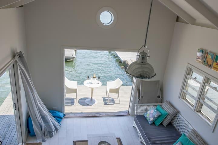 HamptonsShack Boathouse  Waterfront  Private Beach