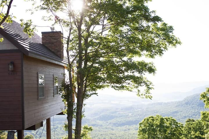 Canyon View Luxury Treehouse · Breathtaking Views of Arkansas' Grand Canyon