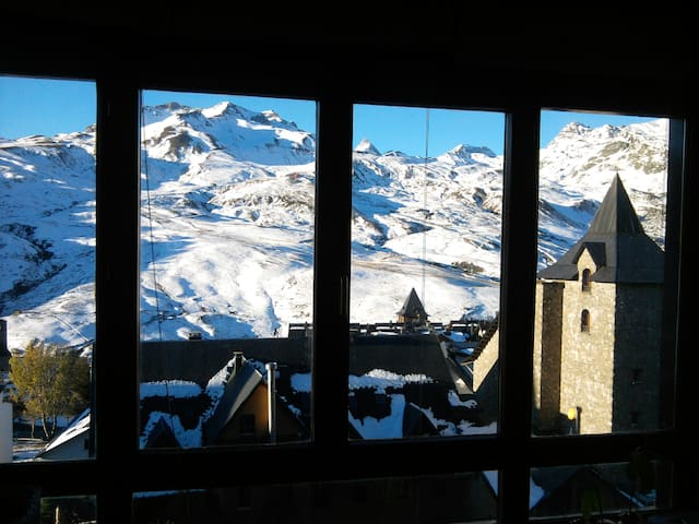 Apartamento en Formigal frente a las pistas. - Formigal - Appartement