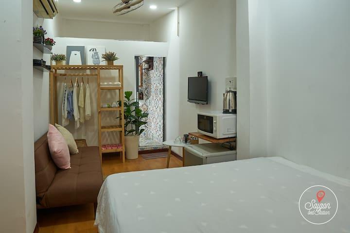#C206-Cozy Private Room near Bui Vien D1