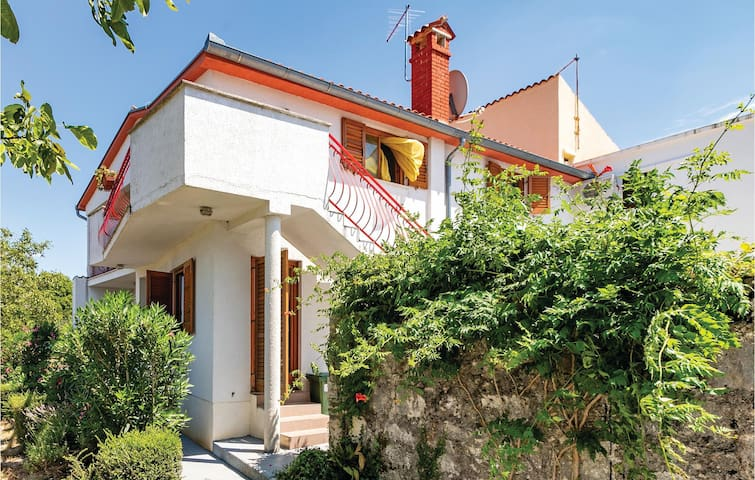 Semi-Detached with 4 bedrooms on 124m² in Vrsar