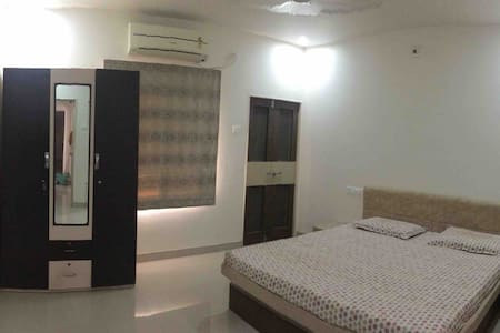 Private Master bedroom, lavish flat, Alkapuri area