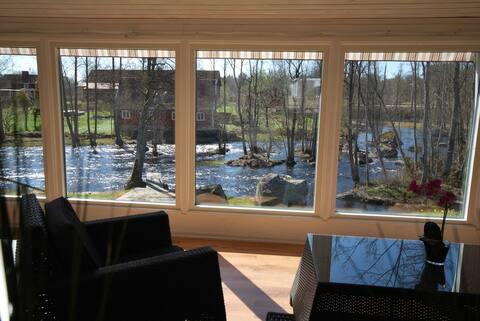 Ferienhaus renoviert direkt am Flus