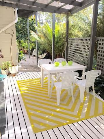 Garden Apartment in Deco Home - East Launceston - Apartamento