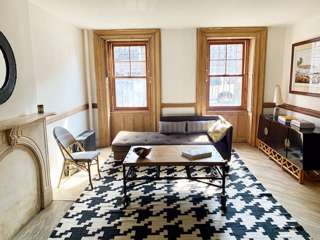 Beautiful 2BR Bed Stuy Apartment