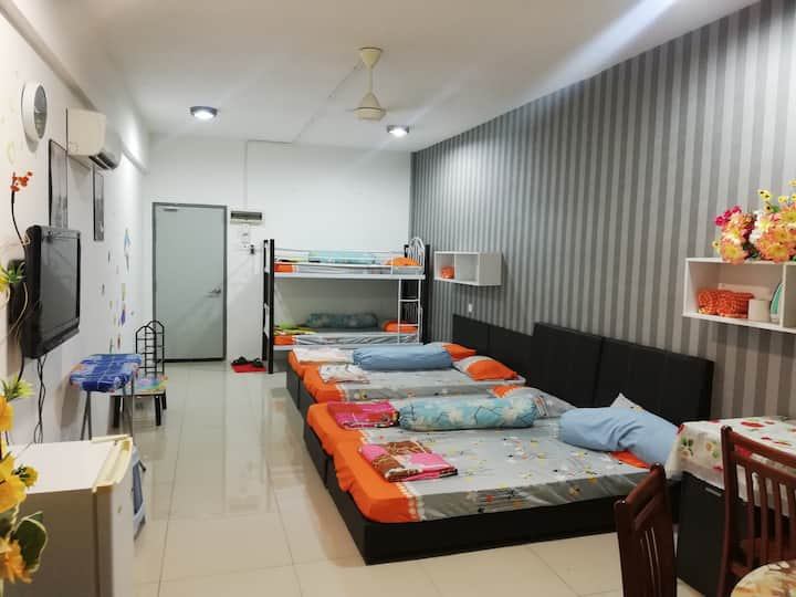 6 Beds  two unit aircond  family Room