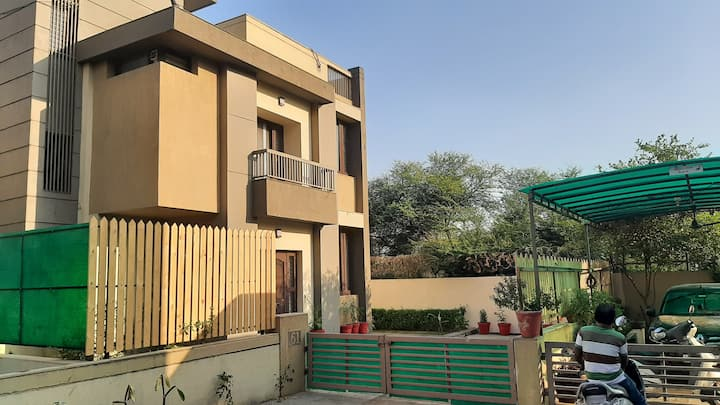 4 bhk independent vill, at vadodara