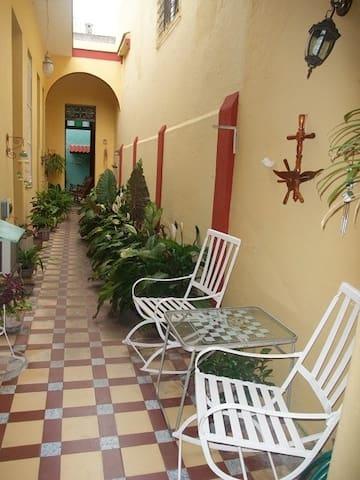 La Casa Colonial
